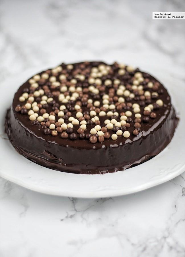 Pastel de chocolate almendrado. Receta con y sin Thermomix