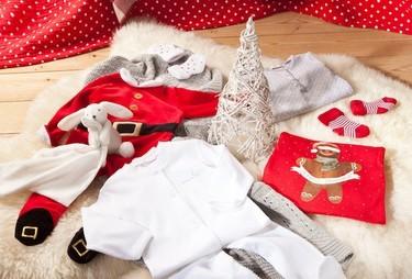 Moda fiesta para niños: el día de Navidad ropa cómoda y divertida