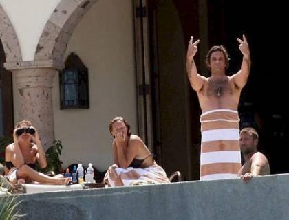Robbie Williams practica sexo ante paparazzis