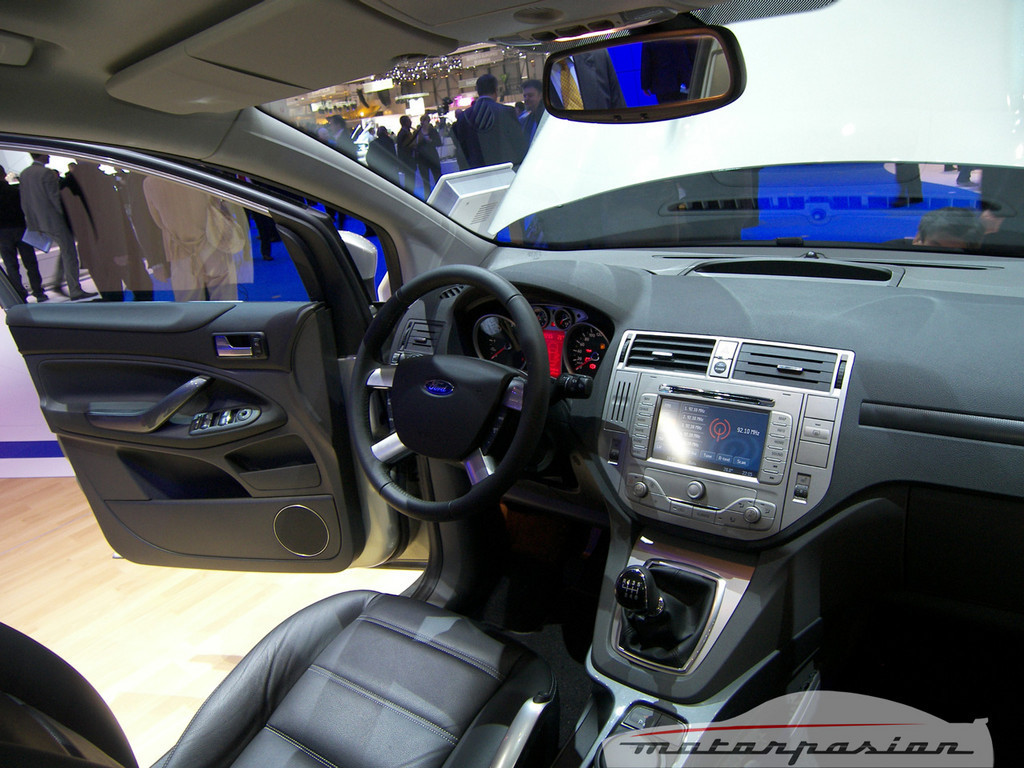 Foto de Ford Kuga en el Salón de Ginebra (13/20)