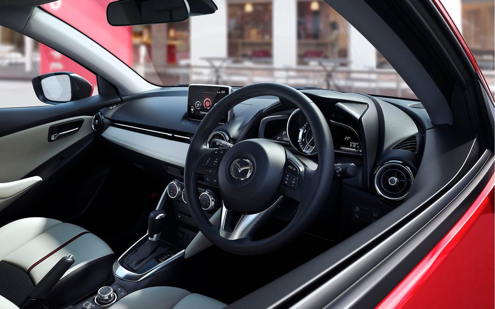 Foto de Mazda 2 2015 (22/24)