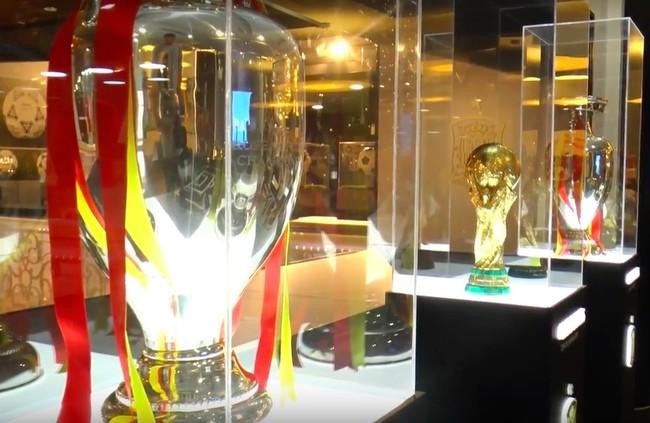 """Desde hoy y hasta la final del Mundial, se puede ver la exposición de """"La Roja"""" en Madrid"""