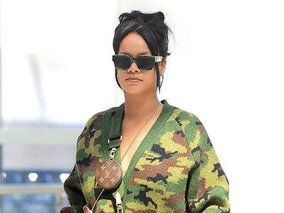 Rihanna apuesta por el camuflaje en versión oversize, pero ni por esas pasa desapercibida