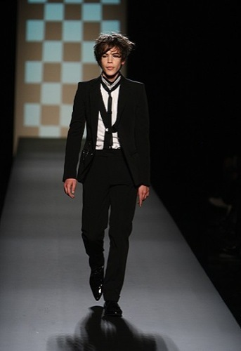 Looks para Navidad. El traje y sus numerosos estilos, Jean Paul Gaultier