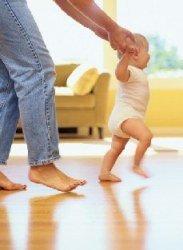 Ejercicios para bebés que le ayudan a aprender a caminar