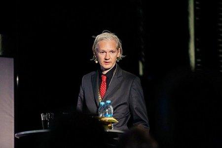 """El fundador de WikiLeaks """"reaparece"""" hoy en el Parlamento Europeo"""