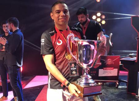 Shanks arrolla en la FDJ Master League de Dragon Ball FighterZ y se embolsa 8000 euros