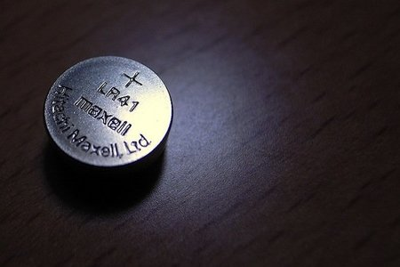Precauciones con las pilas de botón