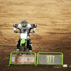 Foto 36 de 42 de la galería nueva-kawasaki-kx450f-2013-de-la-experiencia-del-ama-supercross-y-motocross-a-tu-garaje-accion en Motorpasion Moto