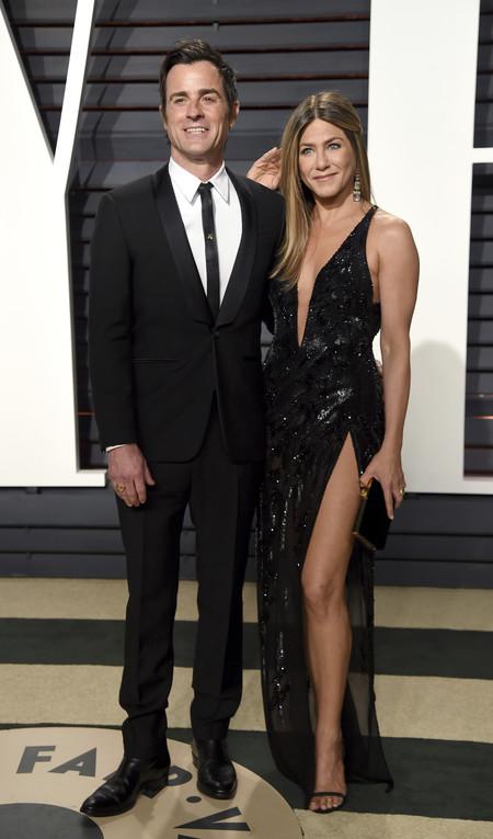 Jennifer Aniston otra vez en el medio y medio de Brangelina