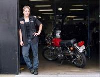 Calendario 2008 de mujeres mecánico por Sarah Lyon
