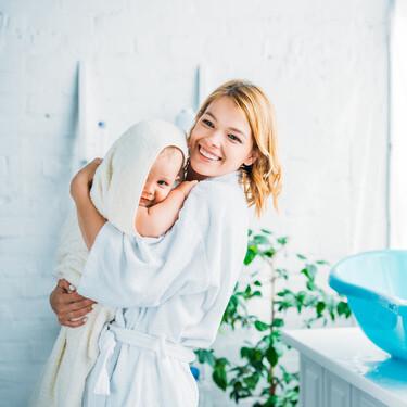 Cómo bañar al bebé en invierno para evitar que se enfríe
