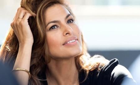 ¿Quién es el nuevo rostro de Estée Lauder? Ni más, ni menos que Eva Mendes