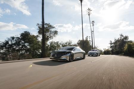 Mercedes Benz Eqs Teaser 2