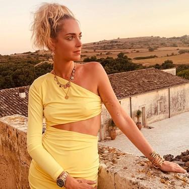 Chiara Ferragni sorprende con un eyeliner amarillo, el maquillaje definitivo para lucir en un festival este verano