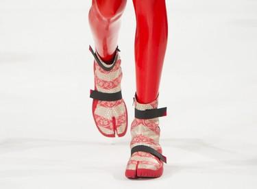 Habrán pisado las mejores pasarelas del planeta, pero no nos pondríamos estos zapatos ni de broma