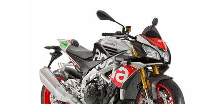 La Aprilia Tuono V4 1100 se retoca: mejores suspensiones, mejor electrónica y desde 16.499 euros