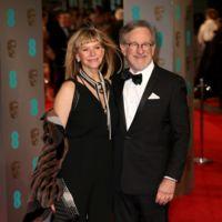 Steven Spielberg y señora