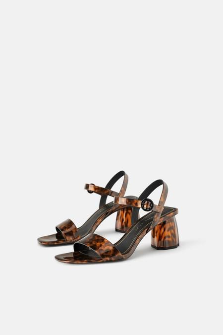 Sandalia tacón ancho