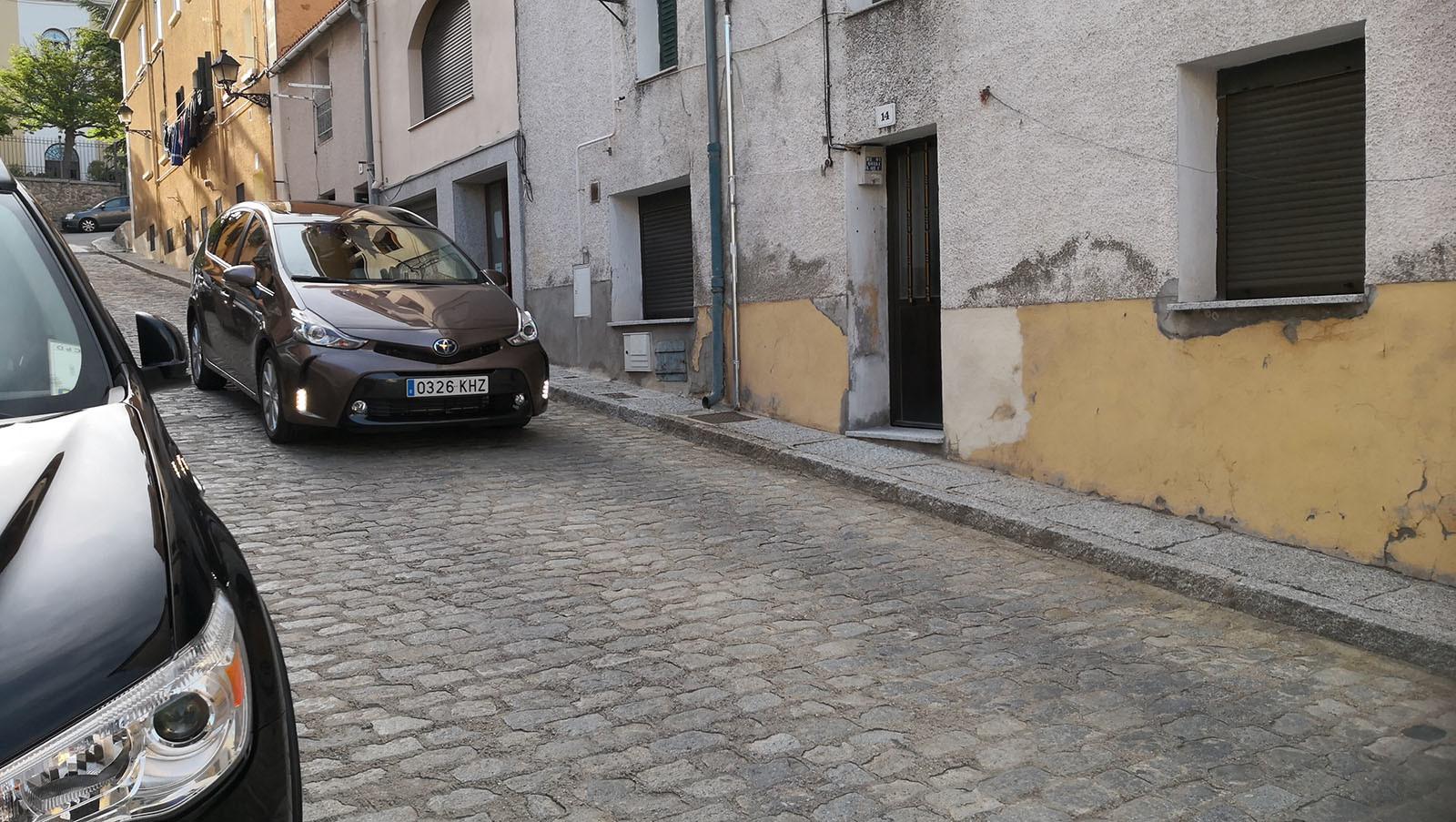 Foto de Toyota Prius+ Adanvance - Fotos de acción (14/16)