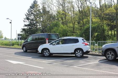 Peugeot 2008 aparcamiento autónomo