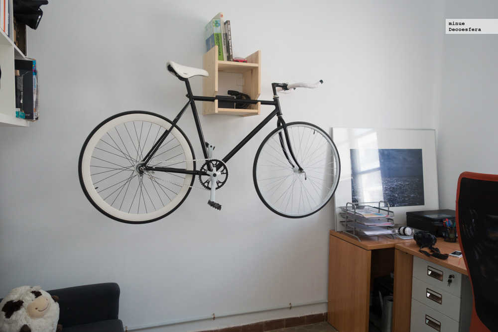 Foto de Una estantería para colgar la bici (4/7)