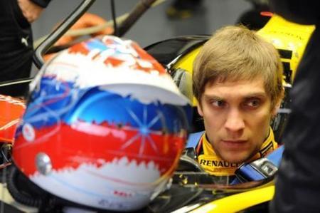 El asiento de Vitaly Petrov podría estar en peligro