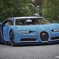 Este Bugatti Chiron de LEGO a tamaño real tiene más de un millón de piezas y... ¡se puede conducir!