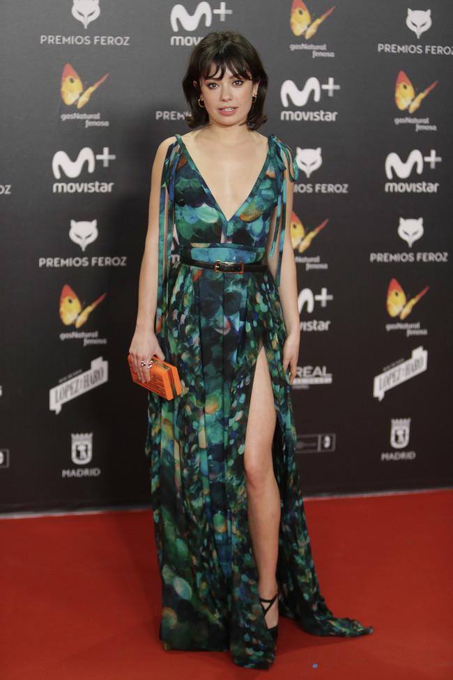 premios feroz alfombra roja look estilismo outfit Anna Castillo