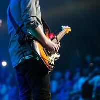 Los músicos cobran muy poco por el streaming. La solución de Spotify: que trabajen más