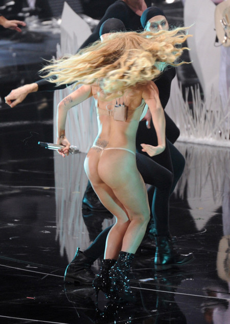 Lady Gaga tanga MTV Video Music Awards 2013