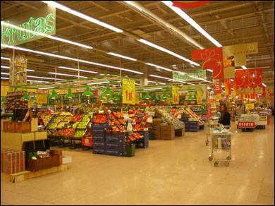 La mitad de los precios de la alimentación, controlada por tres cadenas comerciales de distribución