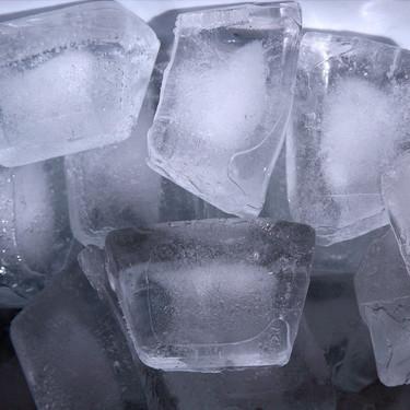 ¿Por qué la anemia hace que la gente quiera masticar hielo?