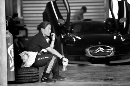 """Vanina Ickx no podrá correr el FIA GT1 en Abu Dhabi por su """"altura"""""""
