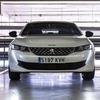 Las placas de matrícula de los coches serán más baratas para los conductores tras un nuevo decreto ley