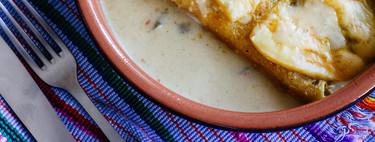 Enchiladas gratinadas de pollo con salsa verde. Receta mexicana fácil