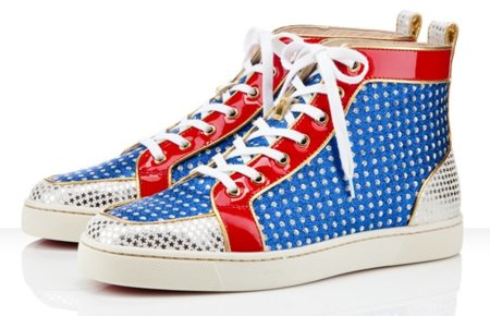 Christian Louboutin tiene su par de zapatillas más colorido