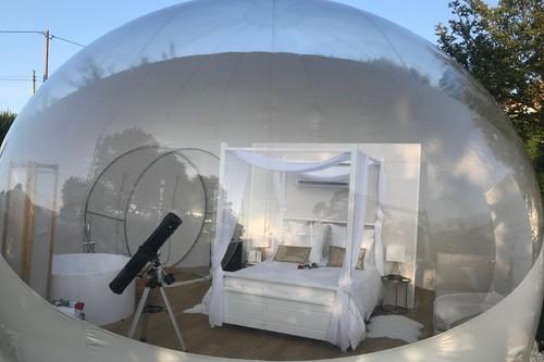 Alojamientos especiales: dormir viendo las estrellas dentro de una burbuja en Galicia