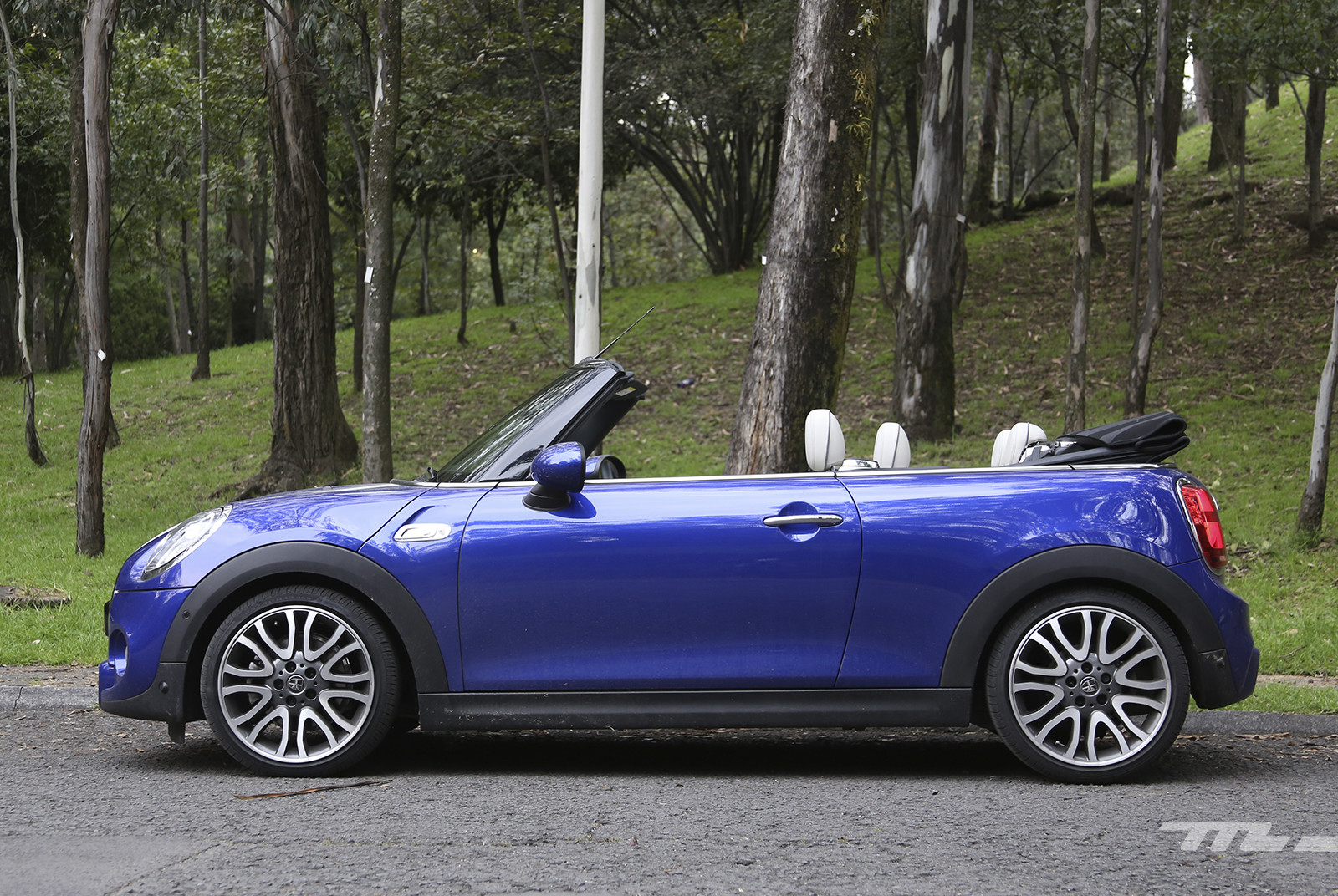 Foto de Mini Cooper S Hot Chili Convertible (3/14)