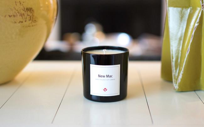 Comienzan a vender una vela con olor a Mac nuevo… ¡y se agotan!