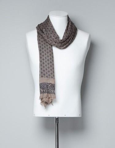 Prepárate para el entretiempo con los pañuelos de Zara