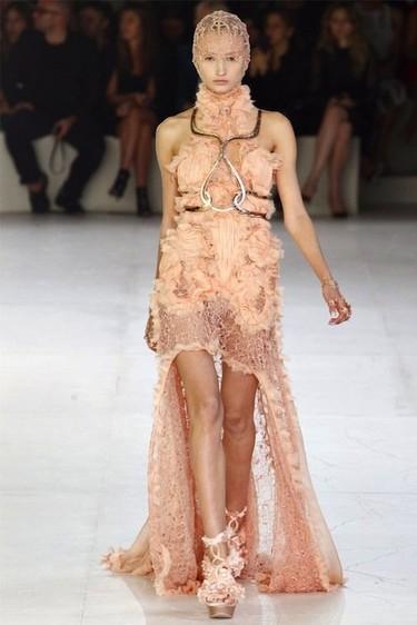 Alexander McQueen Primavera-Verano 2012: larga vida al rey