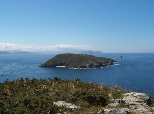 5 islas con encanto (no son las de siempre) para escaparte esta Semana Santa por poco dinero