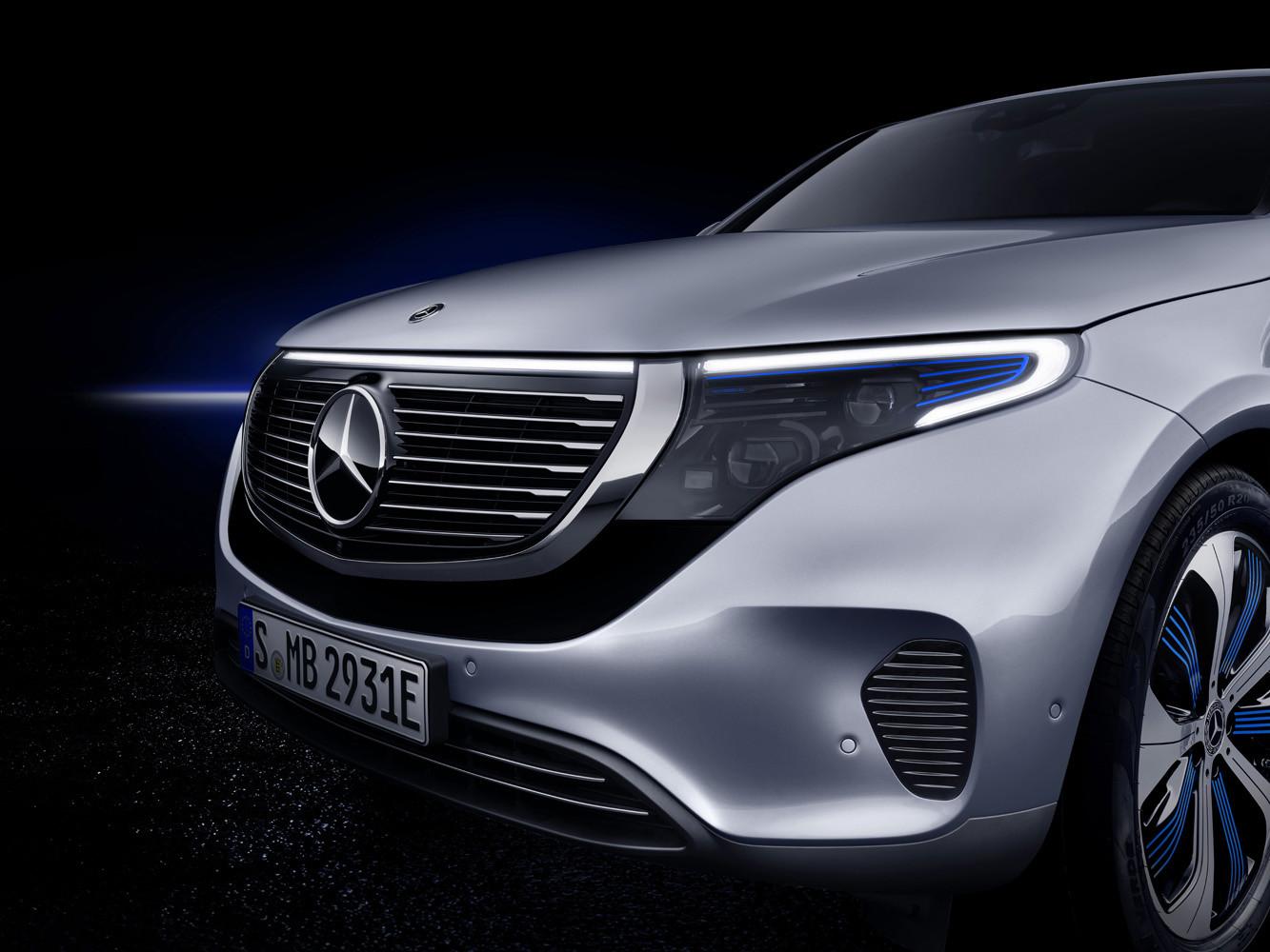 Foto de Mercedes-Benz EQC 2019 (45/74)