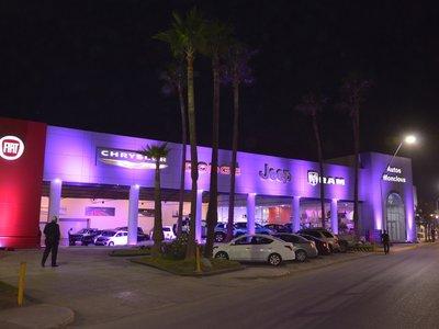 """En FCA México quieren que compres tu próximo coche en un """"mall"""" con todas sus marcas"""