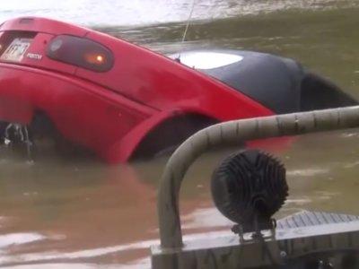 Milagro de Navidad en agosto: el Mazda MX-5 hundido en Louisiana será reparado gratis por un 'chico Miata'