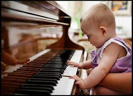 ¿Música clásica o rock para nuestro bebé?