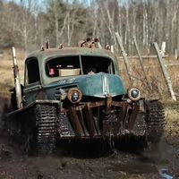 ¡Tankenstein está vivo! Un aficionado se ha fabricado un alucinante híbrido entre tanque y hot rod