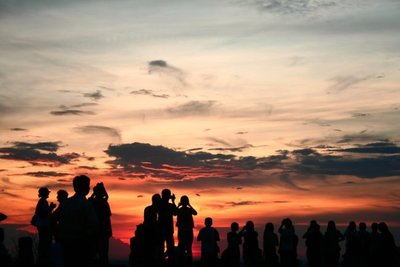 Ver la puesta de sol en Angkor desde Phnom Bakheng