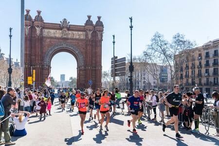La maratón de Barcelona nos trae una carrera virtual, gratuita y solidaria: así puedes participar y recorrer los 42,195 kilómetros estés donde estés